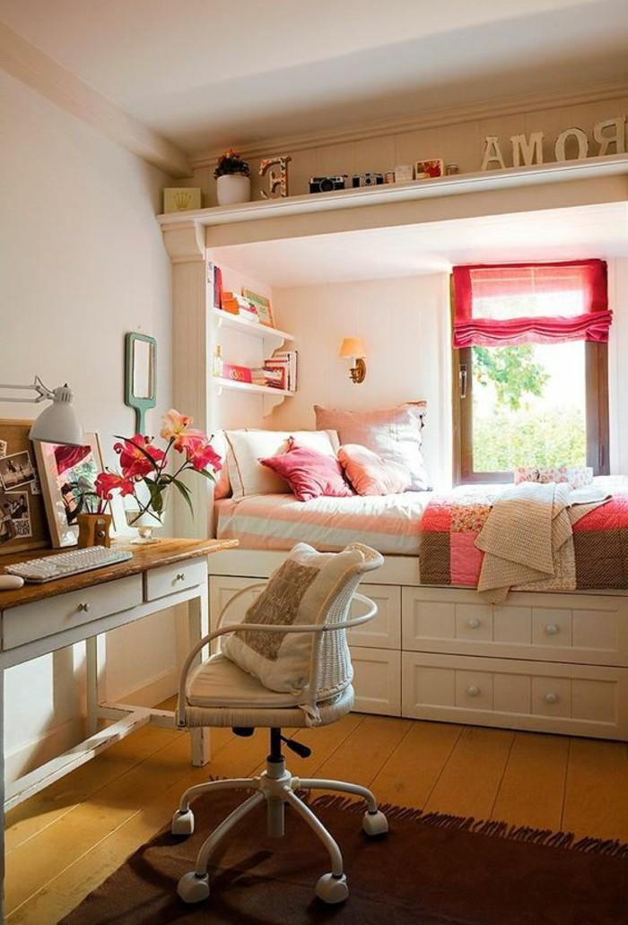 chambre-moderne-ado-lit-pres-de-la-fenetre-bureau-blanc