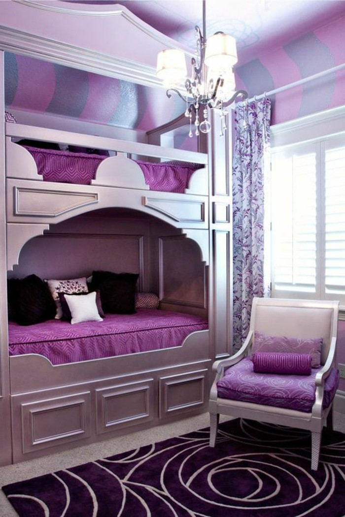 chambre-moderne-ado-lits-superposes-et-tapis-lilas