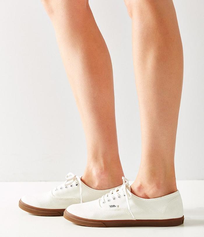 chaussures-sneakers-femme-vans-authentic-lo-pro-blanc-casse-marron