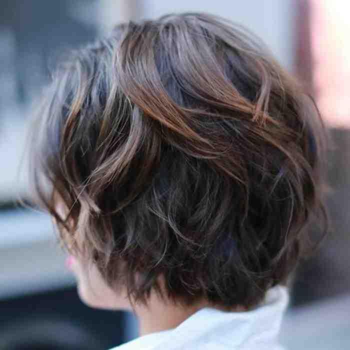 cheveux-carre-court-coupe-courte-femme-cheveux-chatain