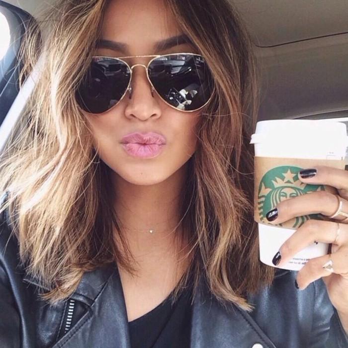 chic-coiffure-femme-coupe-degradee-jolie-starbuck