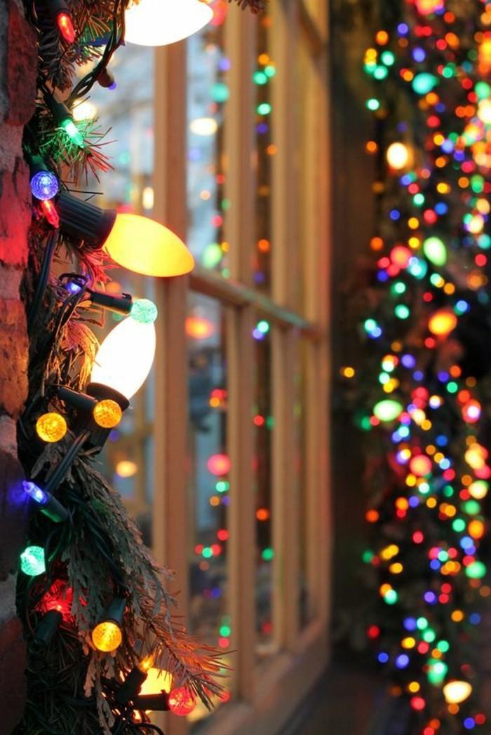 chouette-idee-deco-guirlande-lumineuse-de-noel-guirelande-differentes-couleurs-lumiere