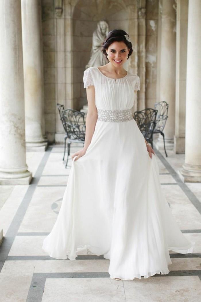 chouettes-robes-de-mariee-avec-manche-mariage-quelle-robe-manche-courte
