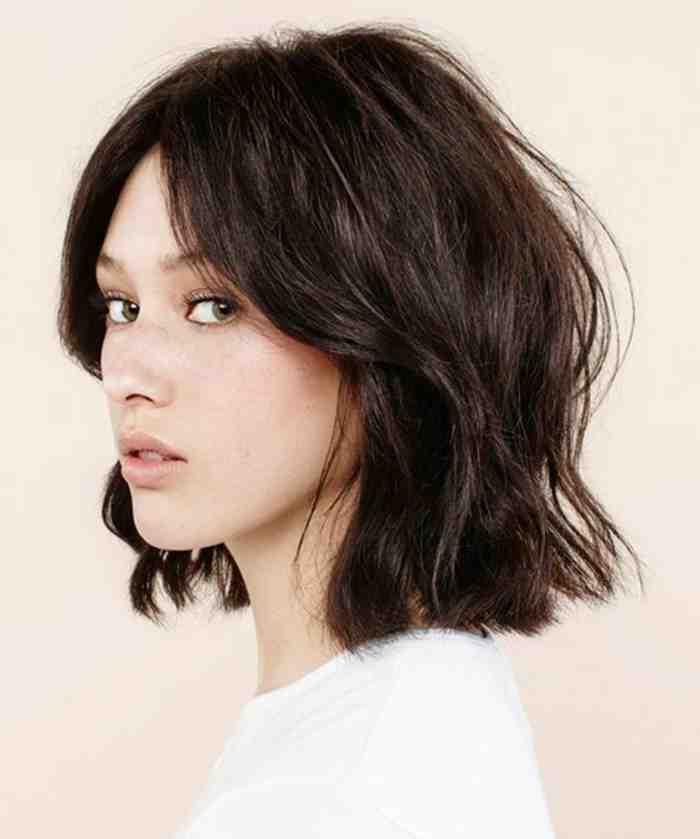 coiffure-coupe-carre-jolie-coiffure-cheveux-epais