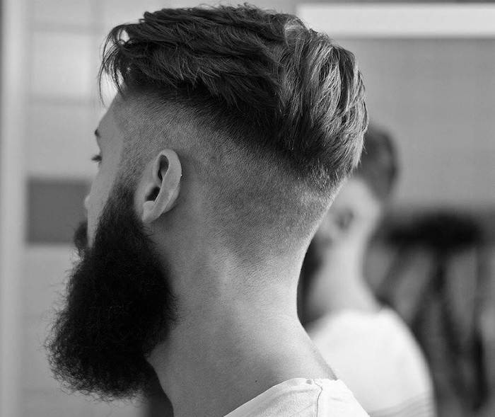 coiffure-homme-cotes-courts-long-dessus-arriere-barbe-style-hipster