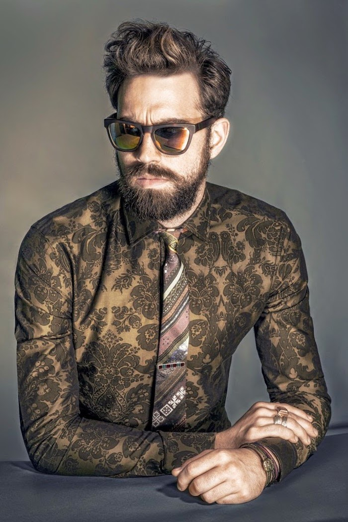 coiffure-homme-court-cote-mi-long-dessus-degrade-hipster-boucles-mode