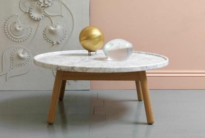 combinaison-gagnante-du-pietement-en-bois-et-marbre-table-salon-ovale