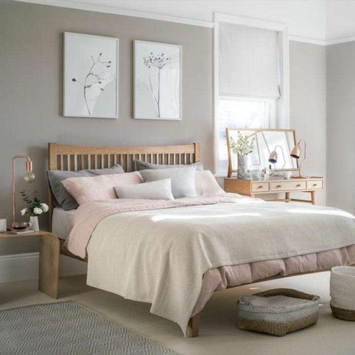 couleur-taupe-clair-murs-taupe-plafond-blanc-lit-de-bois-parquet-de-bois-tapis-en-gris-lampes-dorees-vases-de-fleurs