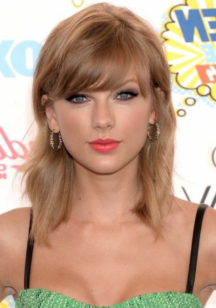 coupe-au-carre-degradee-beaute-feminine-taylor-swift