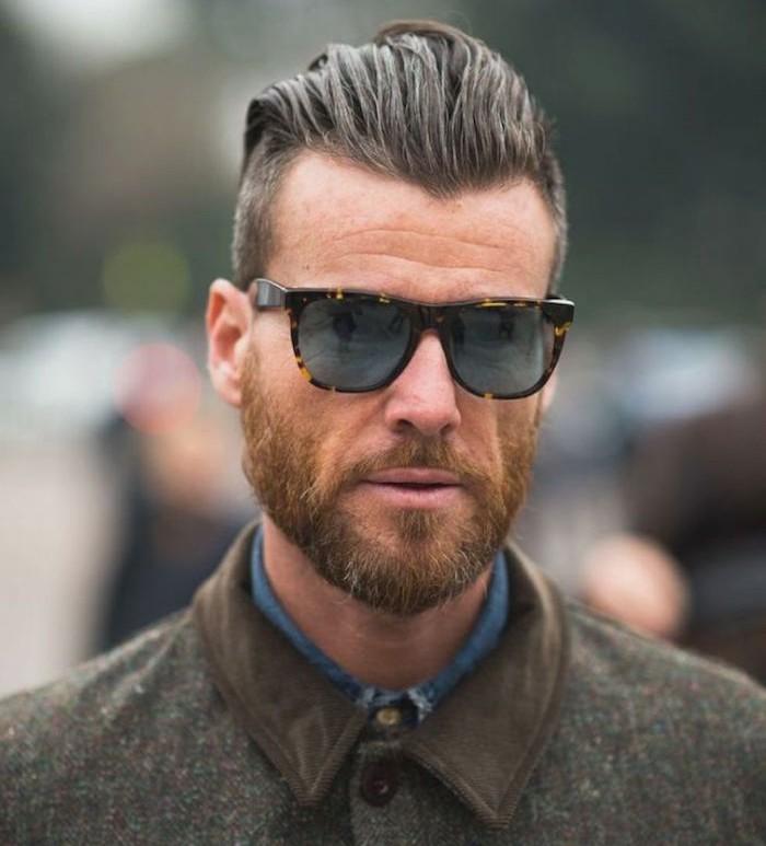 coupe-de-cheveux-homme-court-sur-les-cotes-long-dessus-look-hipster-barbe-arriere-banane