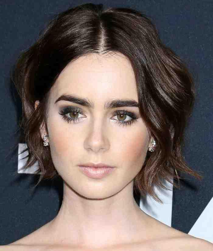 coupe-des-cheveux-carre-raie-symetrique-cheveux-flous