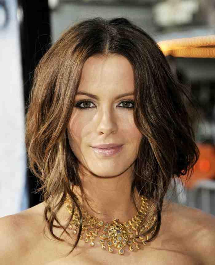 coupe-des-cheveux-carre-se-faire-une-coiffure-courte
