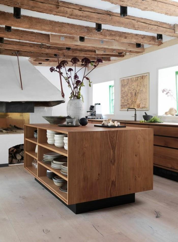 cuisine-equipee-avec-ilot-central-comptoir-avec-rangement