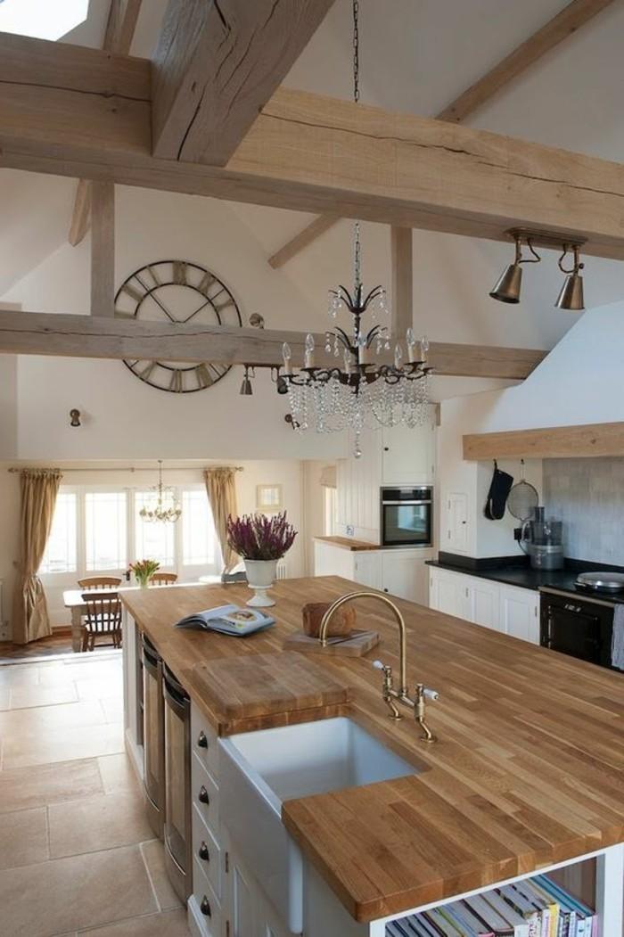cuisine-equipee-avec-ilot-central-cuisine-style-grange-comptoir-en-bois