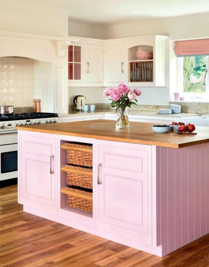cuisine-equipee-avec-ilot-central-ilot-rose-de-cuisine-avec-comptoir-en-bois