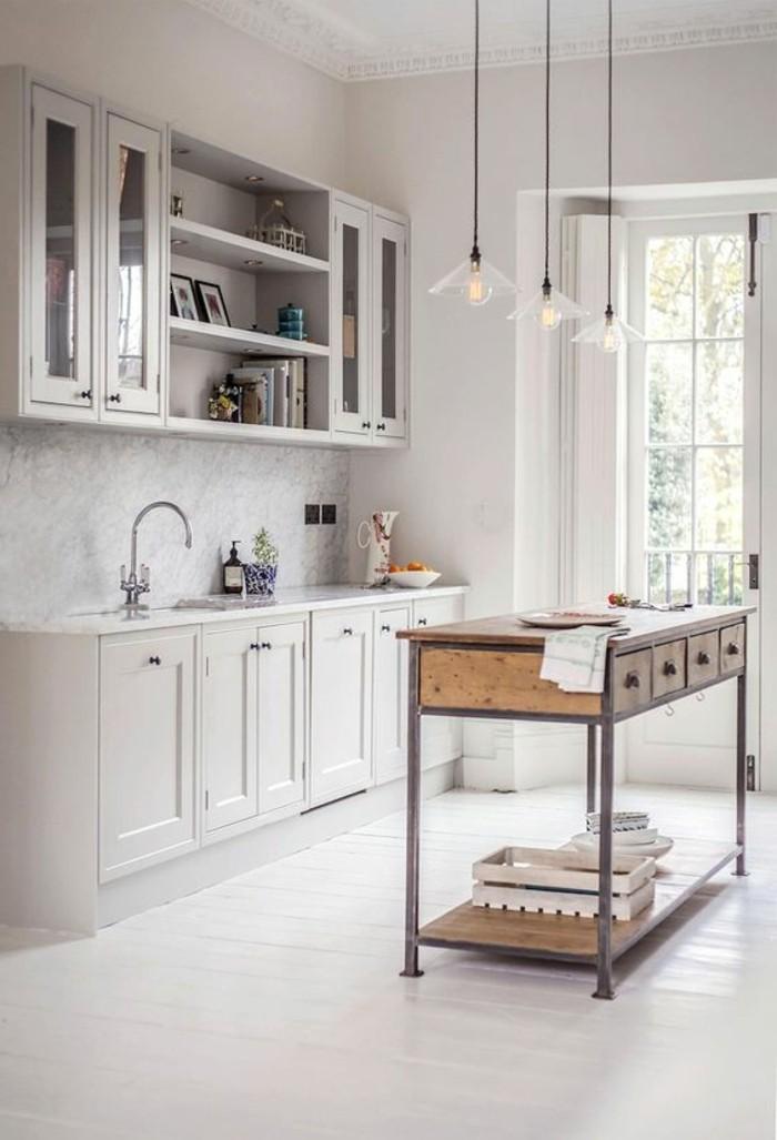 cuisine-equipee-avec-ilot-central-petit-ilot-industriel-bois-et-metal