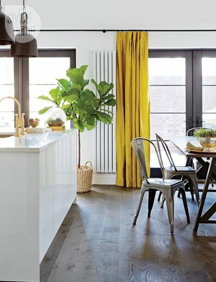 decoration-moderne-salle-a-manger-rideaux-couleur-moutarde