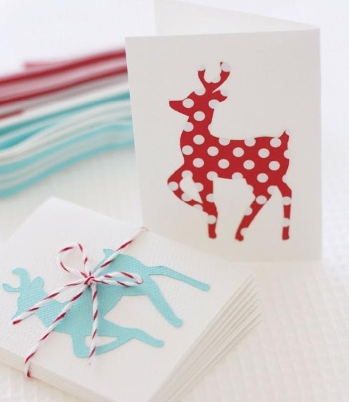 de-jolies-figurines-de-cerfs-collees-sur-un-bout-de-papier-vierge-idee-carte-de-voeux-originale
