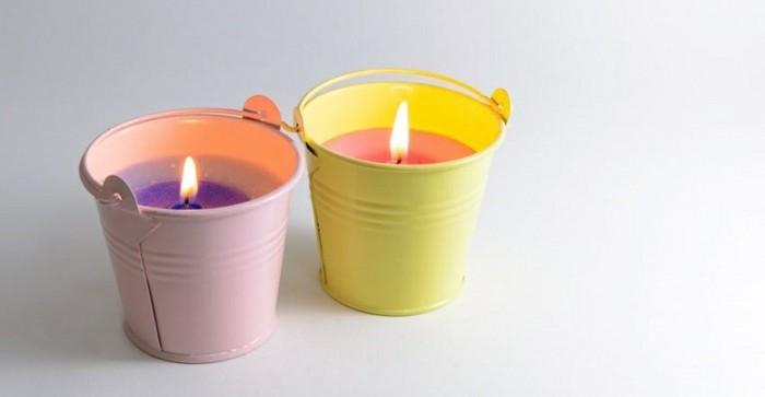 de-la-cire-dans-de-petits-seaus-decoratifs-idee-mignonne-pour-fabriquer-des-bougies-formidables