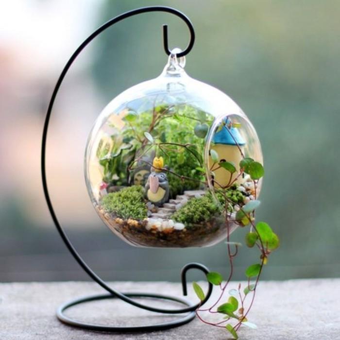 decor-terrarium-charmant-idee-pour-fabriquer-un-terrarium-suspendu-pleine-vegetation-foisonnante