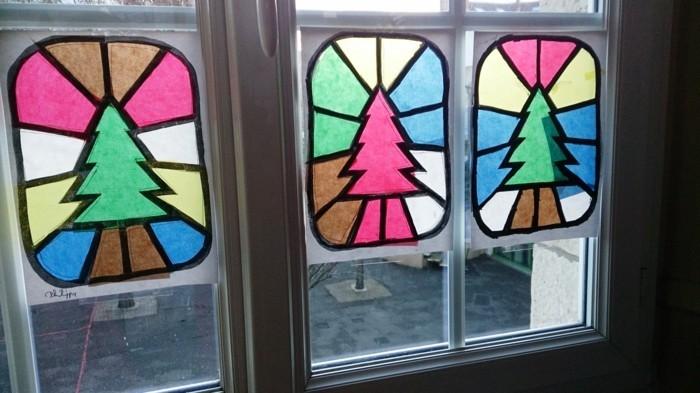 D coration fen tre no l 80 ambiances de conte de f e for Decoration fenetre vitrail