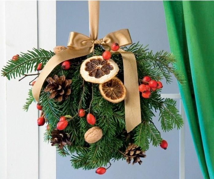 deco-fenetre-noel-a-la-grande-boule-multiples-elements