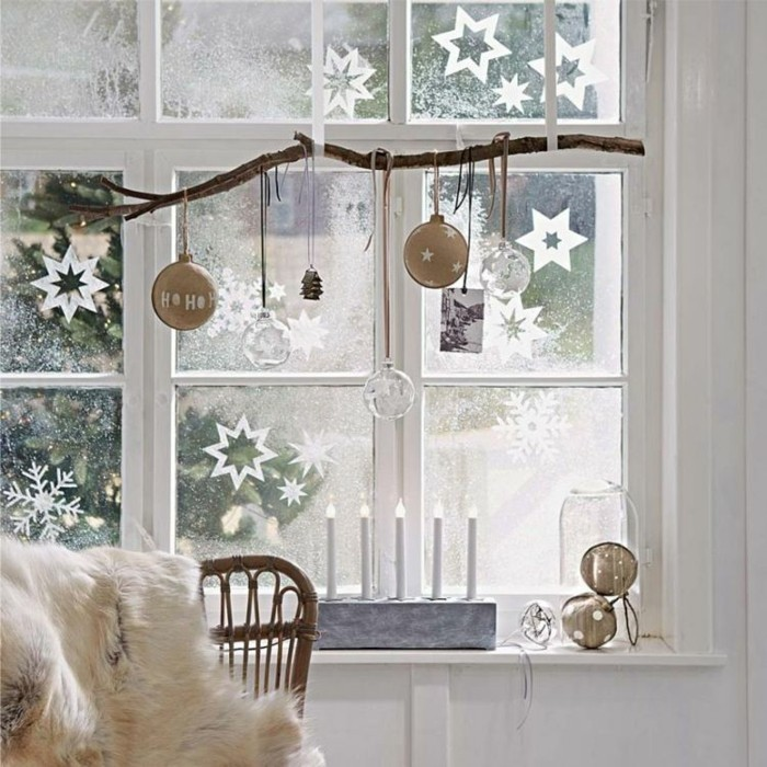 decoration-de-noel-fenetre-conte-d-hiver-blancheur-magique