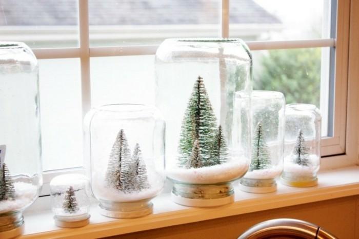 decoration-de-fenetre-noel-des-boules-de-neige-faites-maison