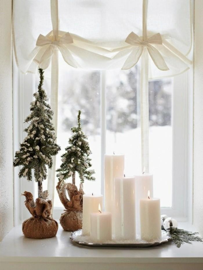 decoration-de-fenetre-noel-deux-sapins-neige-artificielle