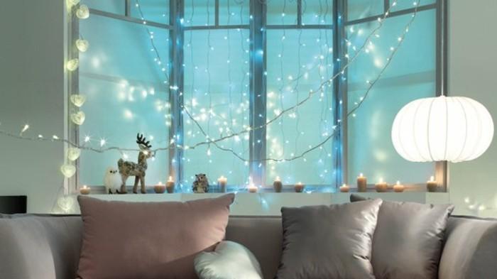 decoration-noel-fenetre-noel-motifs-cadeaux-a-surprises
