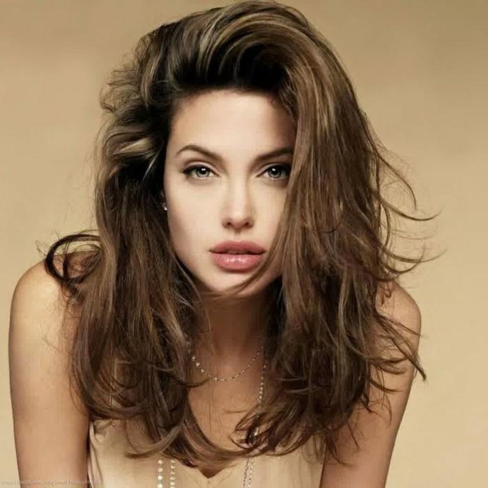 degradee-coupe-de-cheveux-femme-magnifique-angelina-jolie