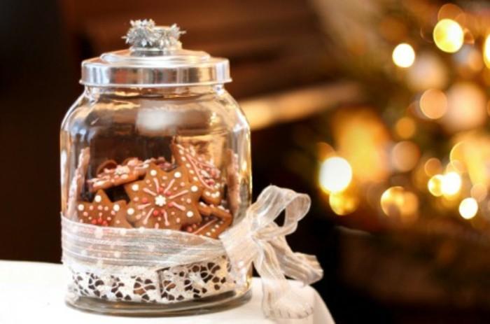 des-biscuits-de-noel-dans-un-pot-encore-une-suggestion-gourmande-de-cadeau-de-noel-a-fabriquer-soi-meme