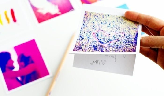 des-cartes-de-de-noel-representant-des-photos-instagram-imprimees-une-jolie-idee-de-cadeau-a-faire-soi-meme