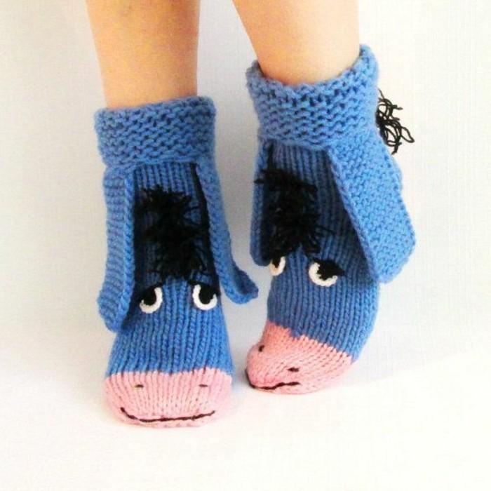 des-chaussettes-tricotees-cadeau-de-noel-a-faire-soi-meme-idee-tres-sympa