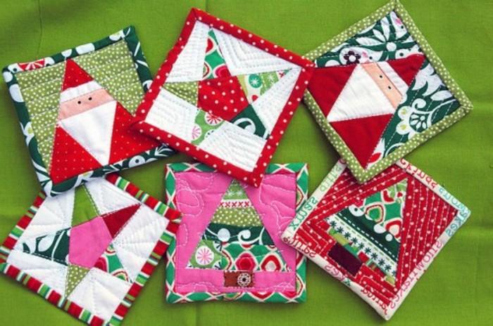 des-sous-verres-en-tissu-decorees-de-diferents-elements-festifs-cadeau-de-noel-a-faire-soi-meme