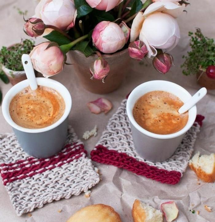 des-sous-verres-tricotes-idee-de-cadeau-de-noel-femme-diy