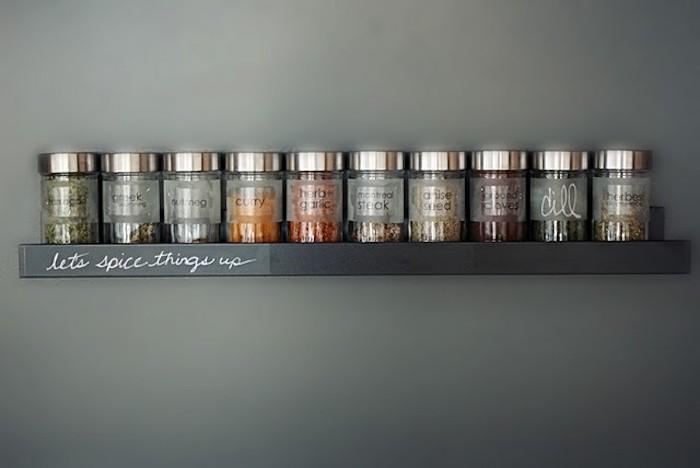 etagere-murale-pour-pots-epices-simples