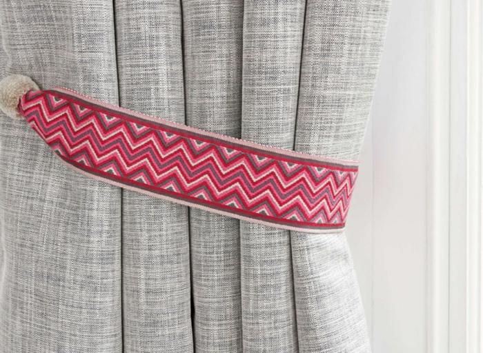 embrasse rideau 80 mod les originaux pour une d coration de charme. Black Bedroom Furniture Sets. Home Design Ideas