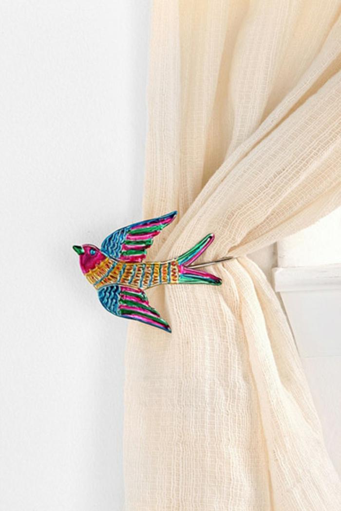 embrasse rideau a faire soi meme cool affordable embrasse de rideau remplace par une guirlande. Black Bedroom Furniture Sets. Home Design Ideas