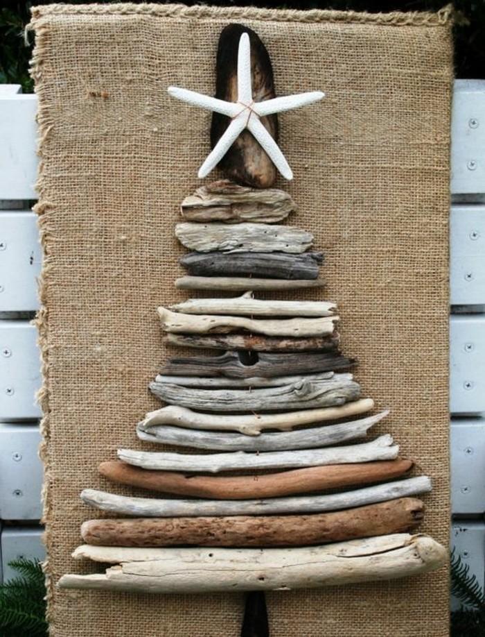 Sapin en bois flott fabriquer pour no l 56 id es for Modele de sapin de noel decore