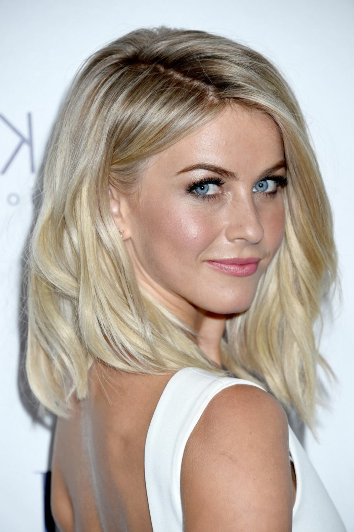 excellente,coupe,cheveux,mi,long,belle,femme,blonde,