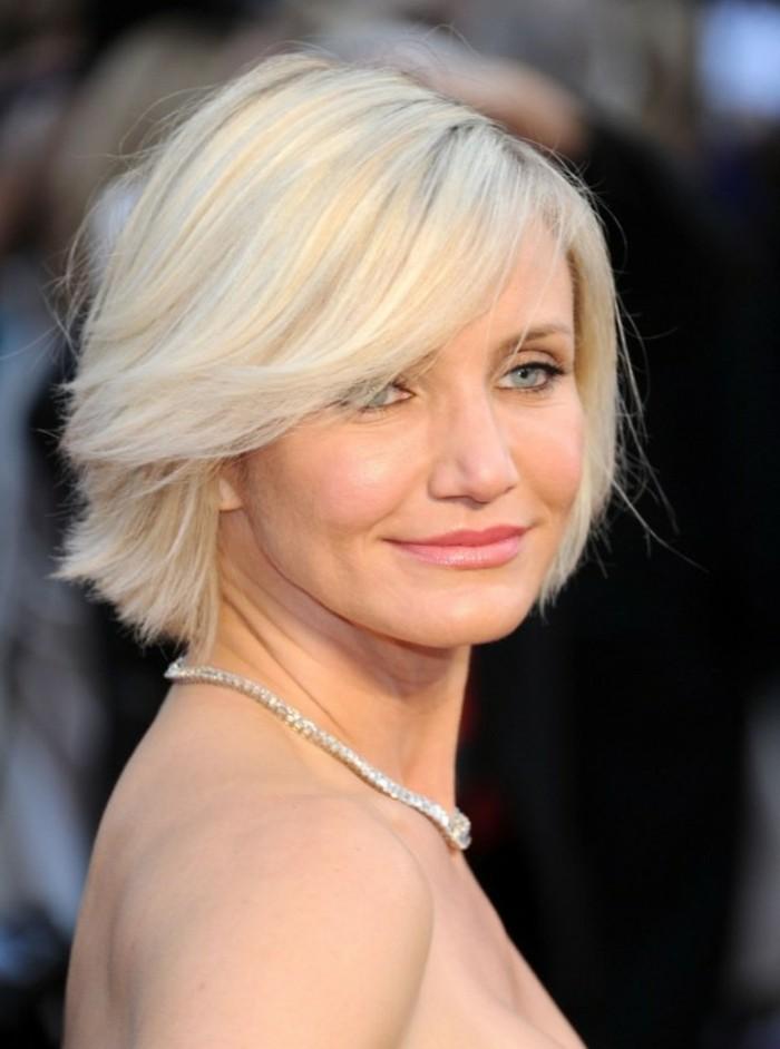 excellente-coupe-cheveux-mi-long-cameron-diaz-coupe-courte-blonde