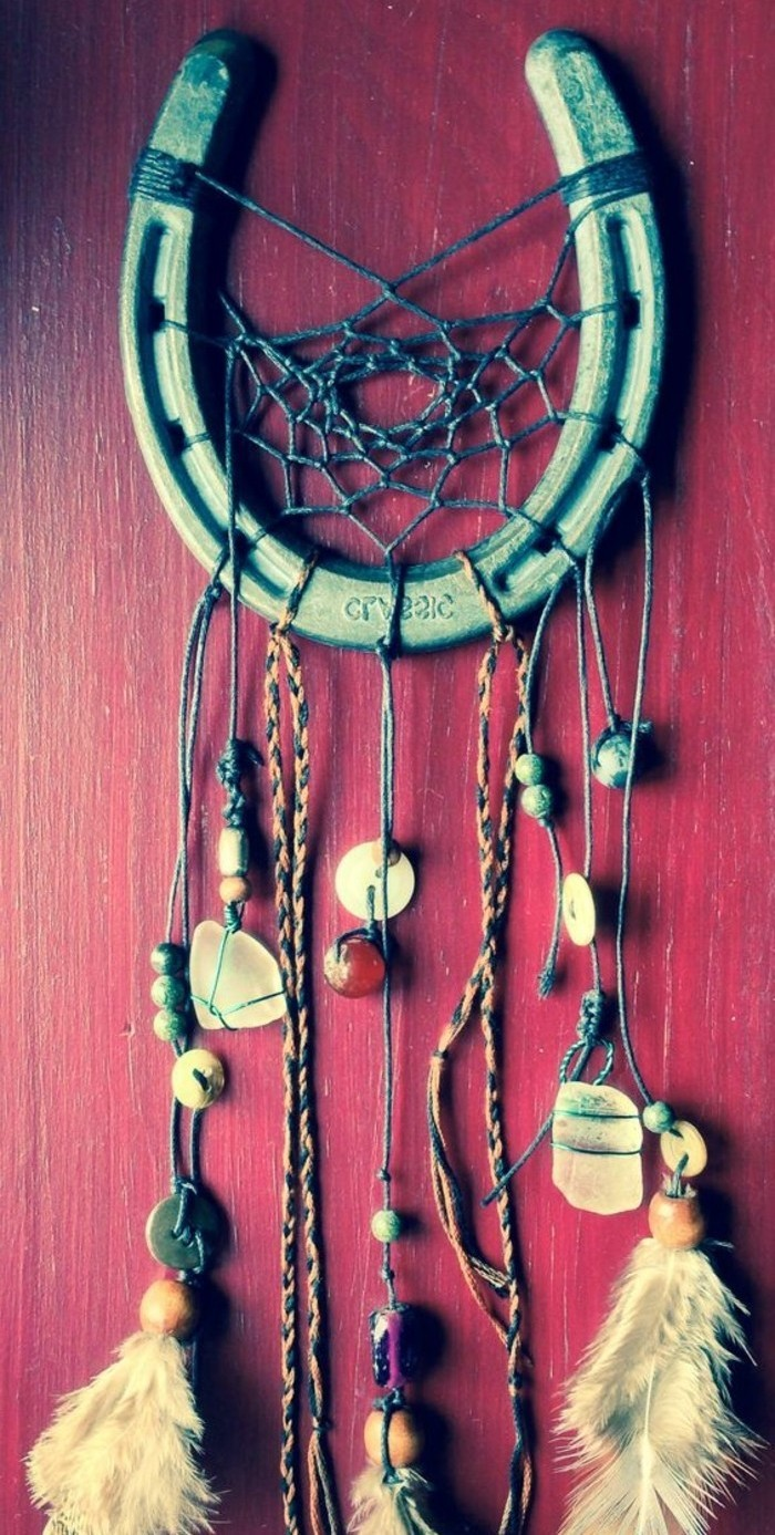 exemple-attrape-reve-en-forme-de-fer-a-cheval-decoration-superbe-attrape-dreamcatcher