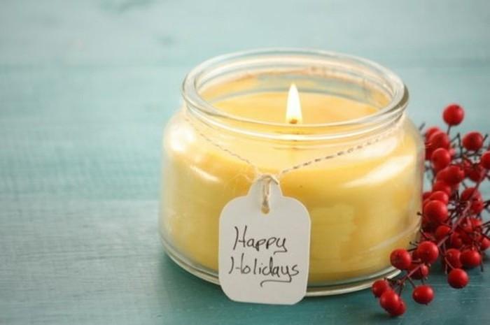fabriquer-des-bougies-un-modele-facile-a-confectionner-pour-faire-une-deco-noel-maison-geniale