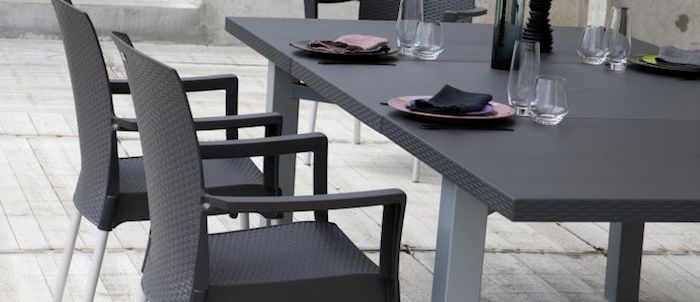 fauteuil-de-salon-de-jardin-grosfillex-en-resine-tressee