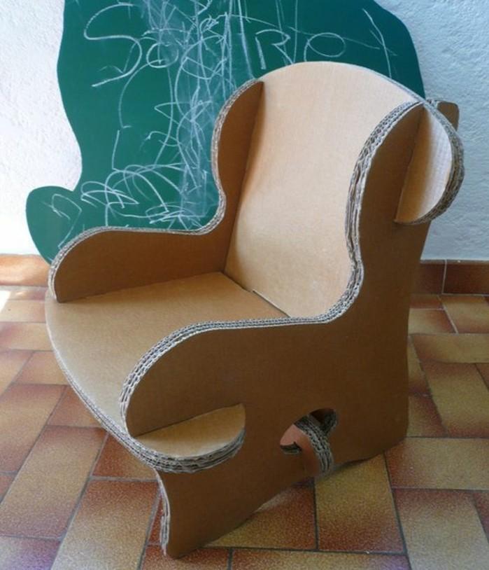 fauteuil-en-carton-simple-et-sympa-a-faire-soi-meme-meuble-carton-esthetique