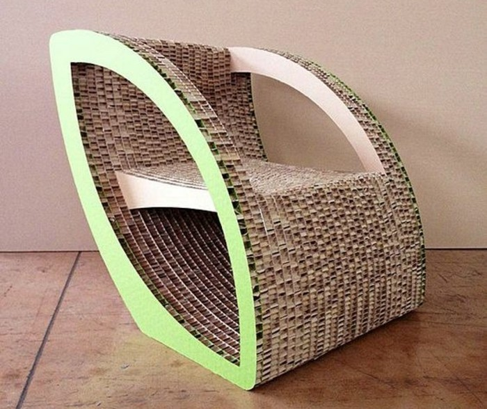 fauteuil-en-carton-tres-chic-idee-comment-fabriquer-votre-meuble-carton-facilement