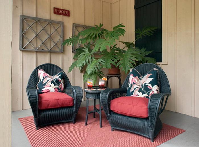 fauteuil-resine-tressee-noir-rouge-salon-de-terrasse