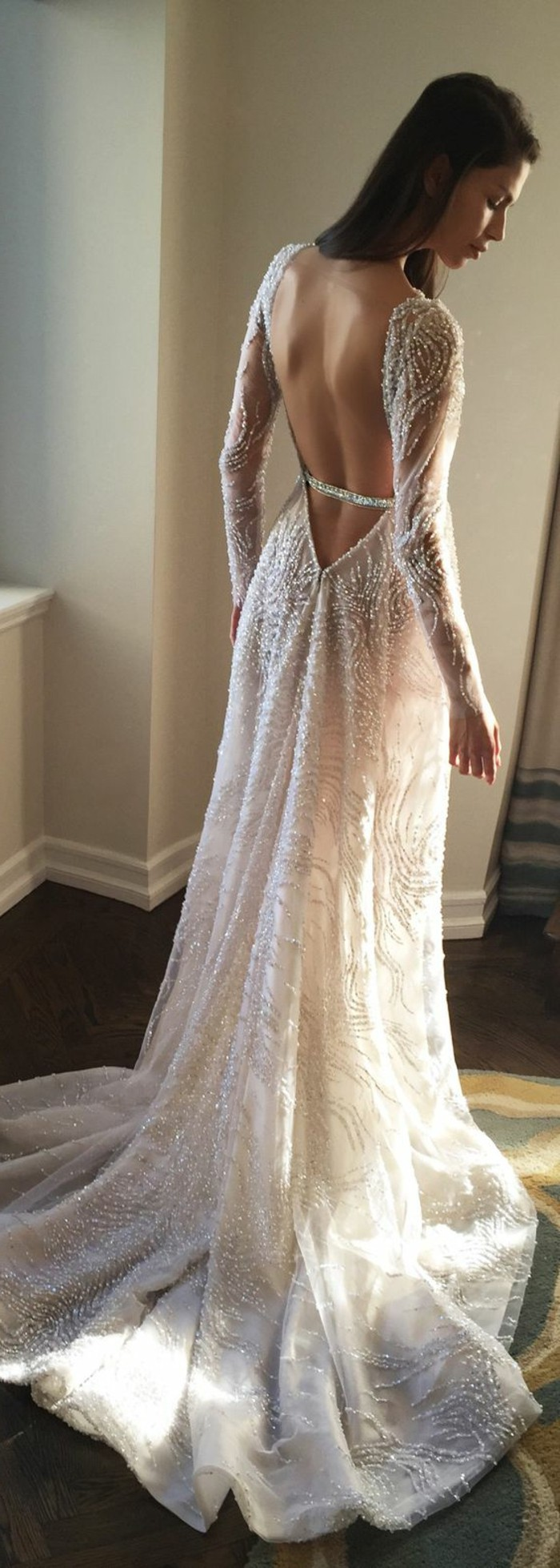 formidable-robe-de-mariee-manches-longues-adorable-mariee