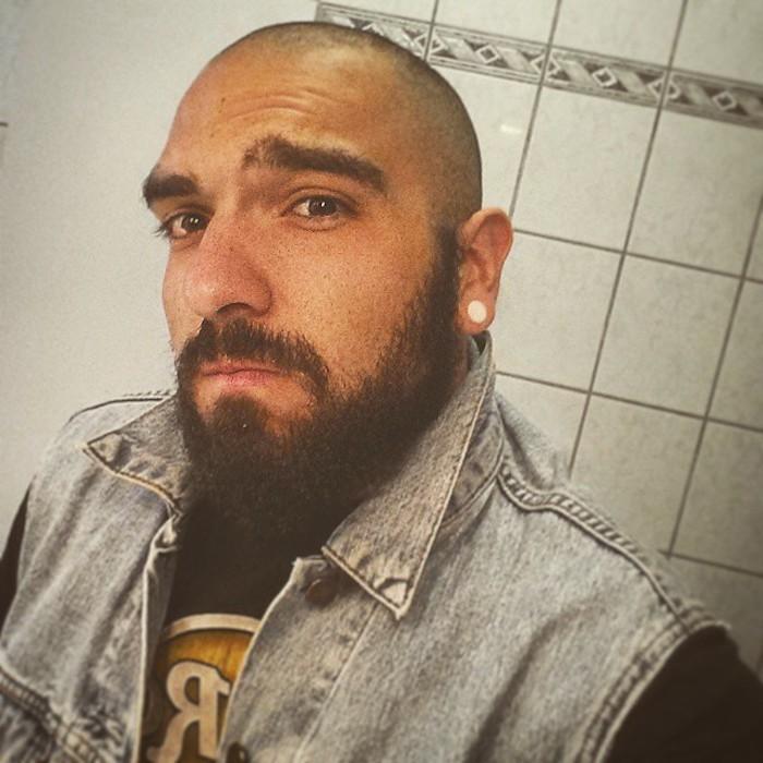 homme-debut-calvitie-barbe-traitement-chute-de-cheveux-homme-barbe